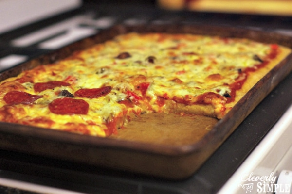 How to Make Your Own Pizza Crust