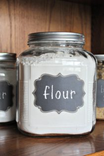 DIY Gift Idea : Flour and Sugar Storage Containers