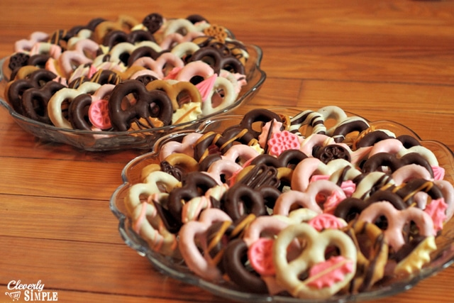 How to Make Chocolate Covered Pretzels Fancy - Cleverly Simple®