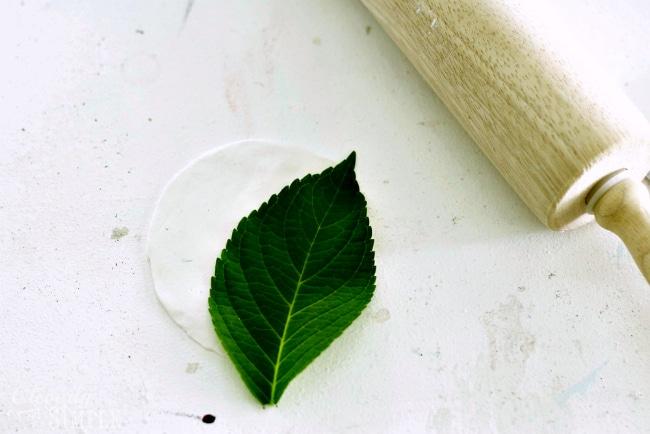 Making a leaf craft
