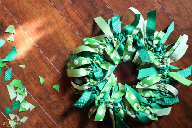 Trimming the ribbon for the wreath