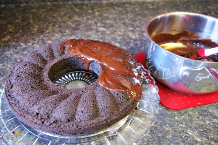 Homemade icing for chocolate cake