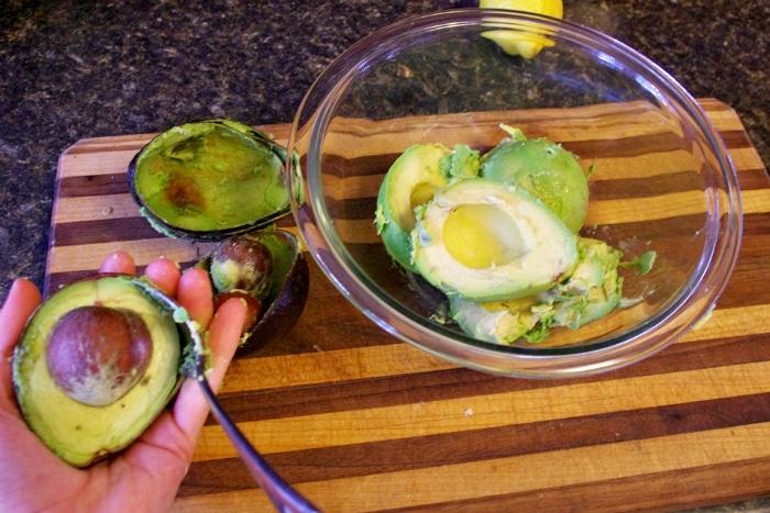 making easy guacamole