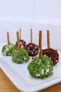 Blue Cheese & Cranberry Mini Cheese Balls