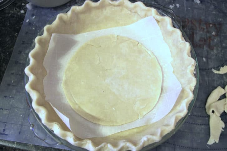 making the top of the pie crust