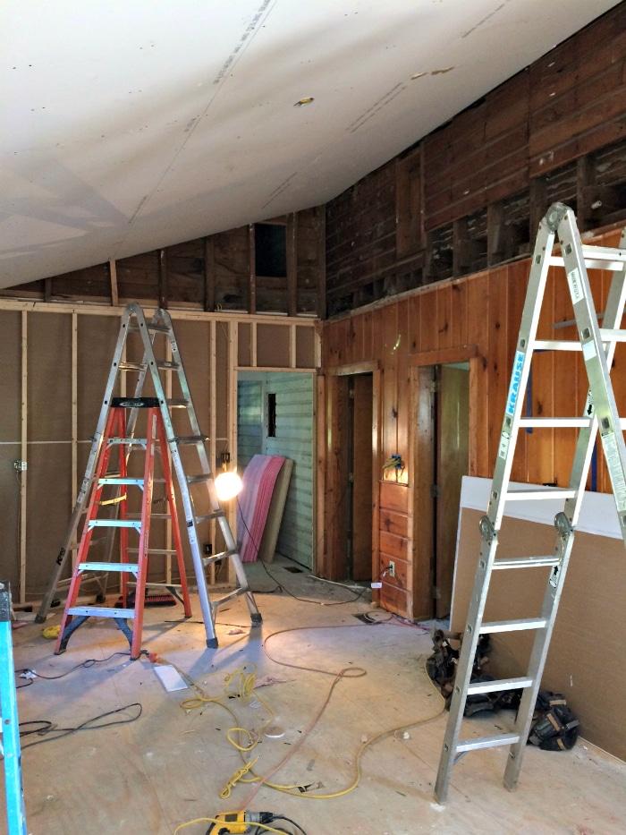farmhouse-renovation-week-12-kitchen-3