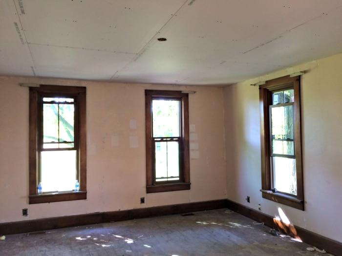farmhouse-renovation-week-12-living-room