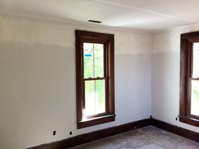 farmhouse-renovation-week-13-boys-room-walls-skimming
