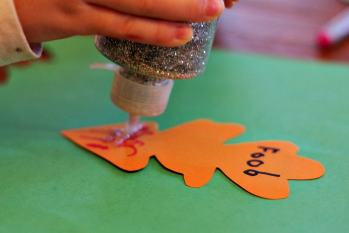 homemade-thankful-tree-craft-for-kids-5c