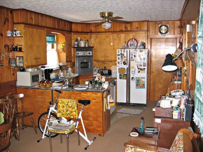 farmhouse kitchen before 1