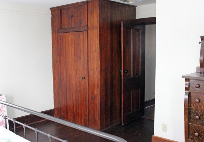 farmhouse-bedrom-renovation-33