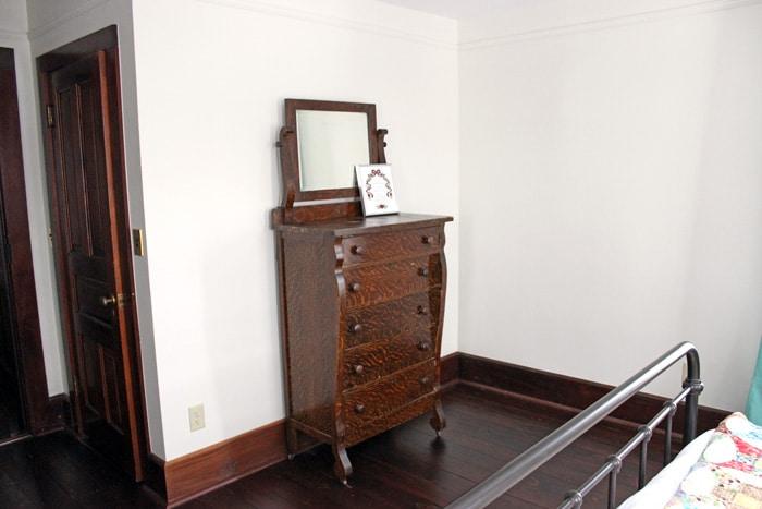 farmhouse-bedroom-renovation-15