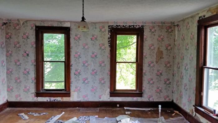 farmhouse-bedroom-renovation-before-1