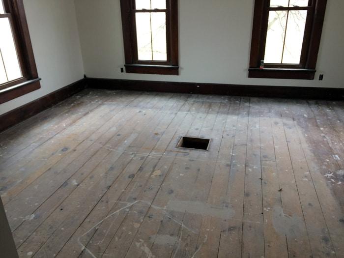 farmhouse-bedroom-renovation-before-13