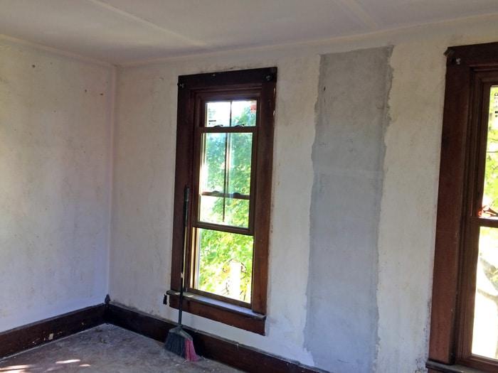 farmhouse-bedroom-renovation-before-14
