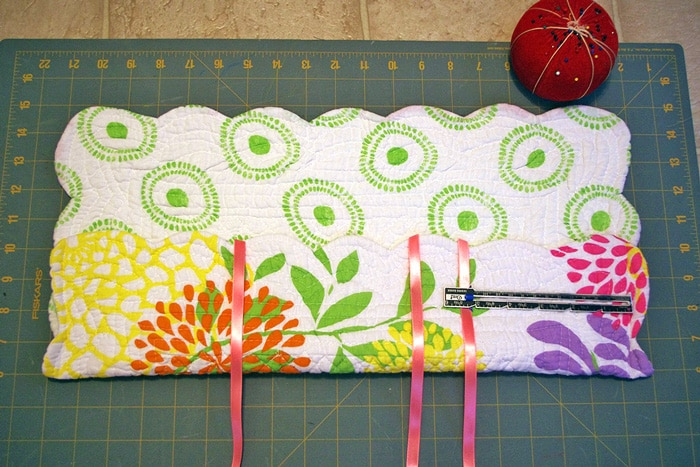 DIY-Organizer-Made-From-placemat-4