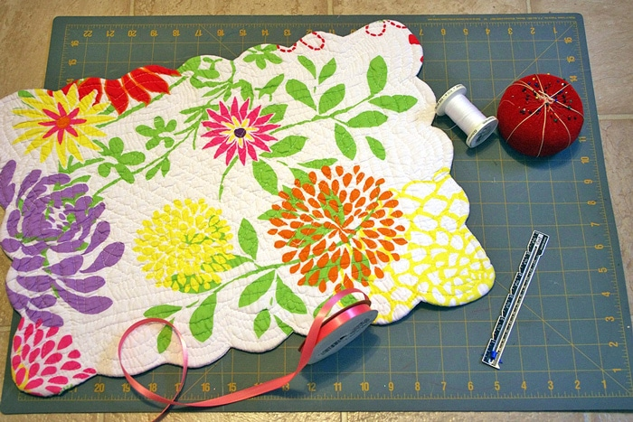 DIY-Organizer-Made-From-placemat