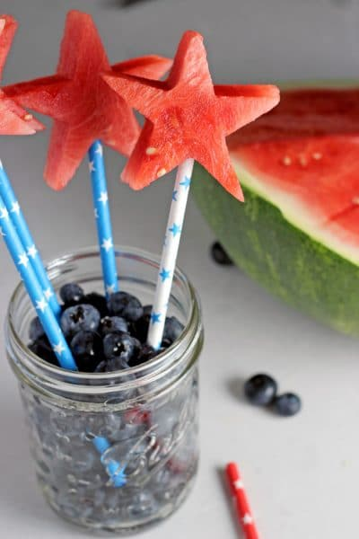 watermelon-stars-with-blueberries-patriotic-snack-centerpiece