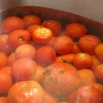 How to Can Tomatoes - Peal with Boiling Water