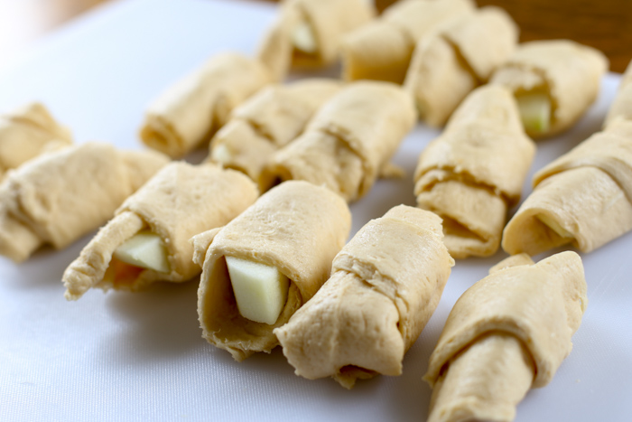 crescent rolls wrapped around granny smith apples
