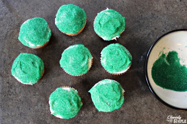 Green Cupcakes for Flowers for Easter