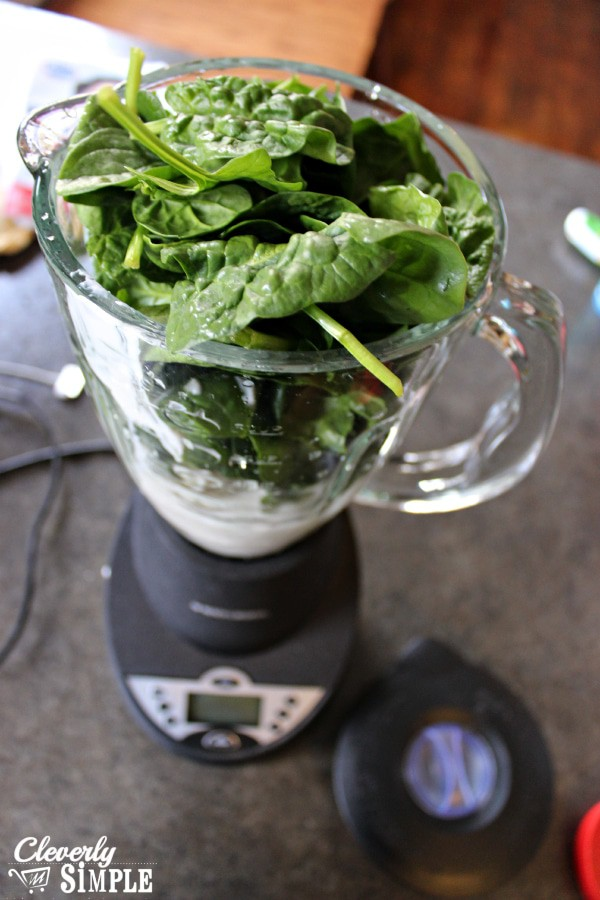 spinach in blender for healthy green smoothie