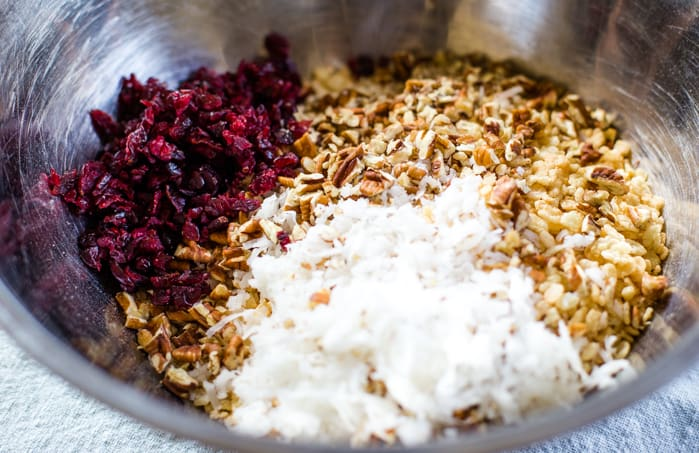 dry ingredients for granola bars in bowl