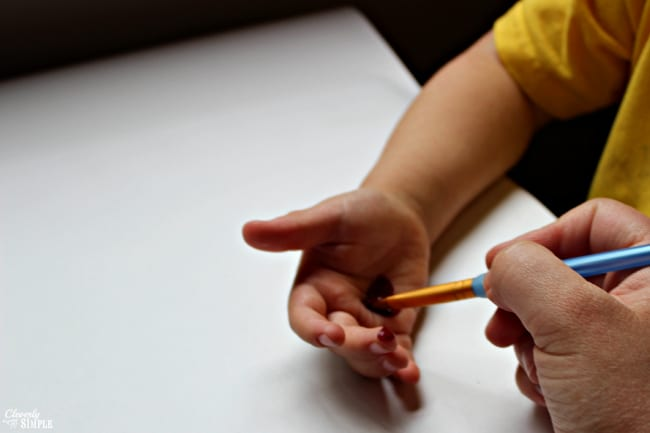 painting kids hands to make hands down diy fathers day gift