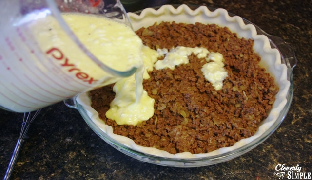 Easy recipe for savory pie made with venison or hamburger