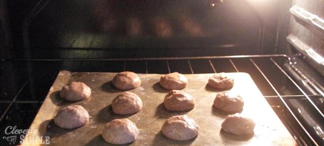 Juice cookies in the oven