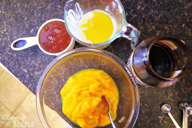Liquid ingredients for squash cookies