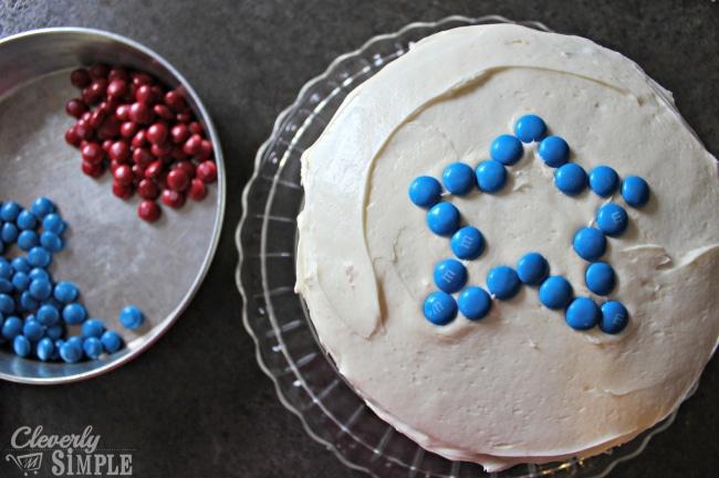 Making captain America cake
