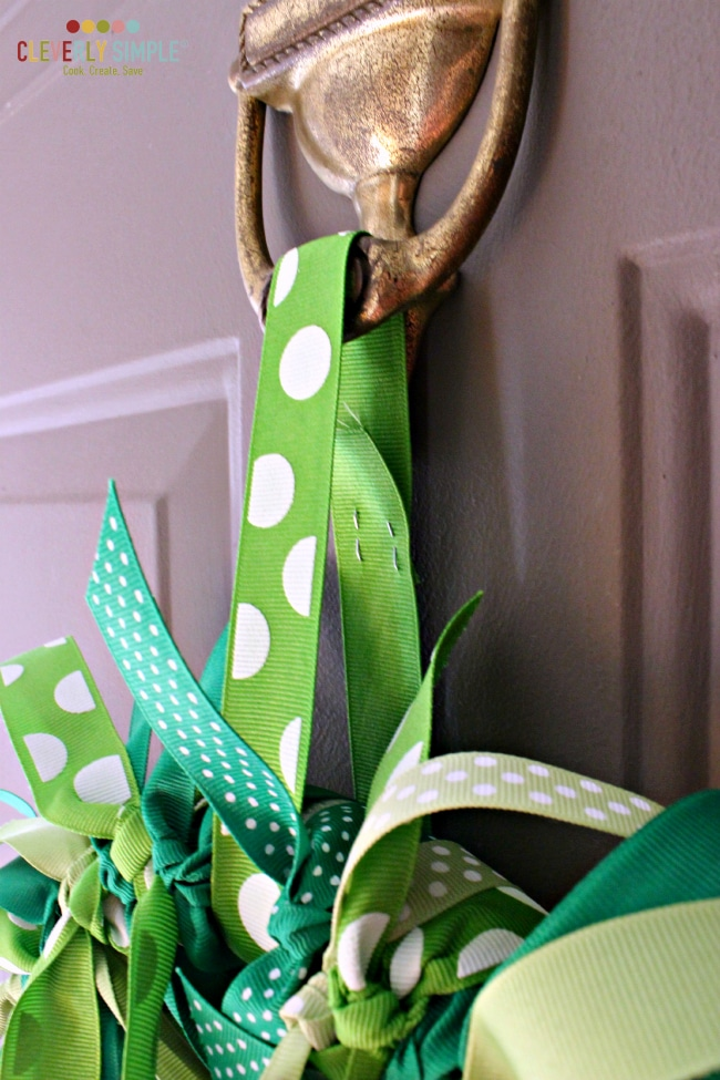 How to hang a wreath with ribbon