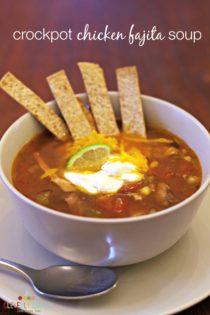 chicken fajita soup in bowl