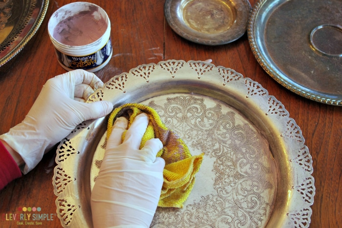 Cleaning up a silver plate