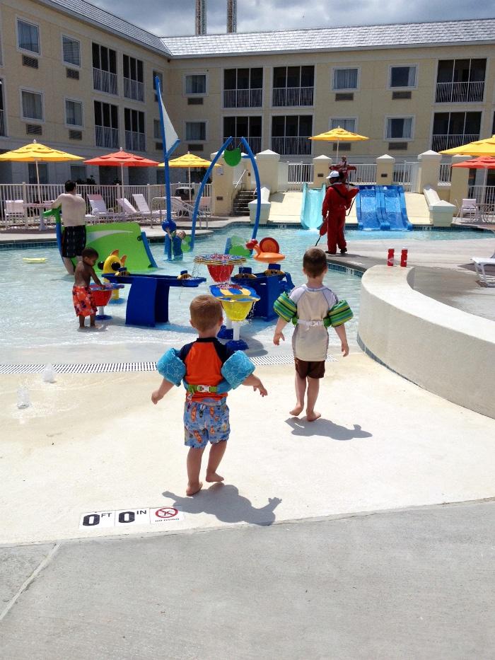 hotel breakers splash pad