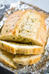 sliced garlic bread