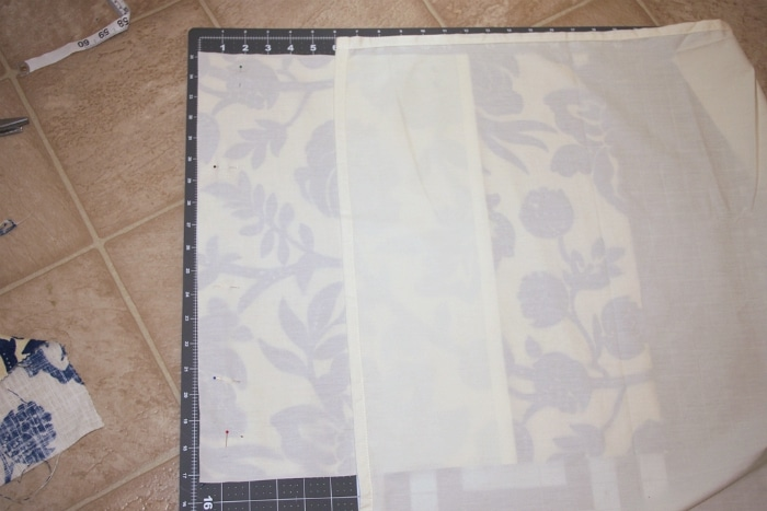 how to sew the back of a pillow