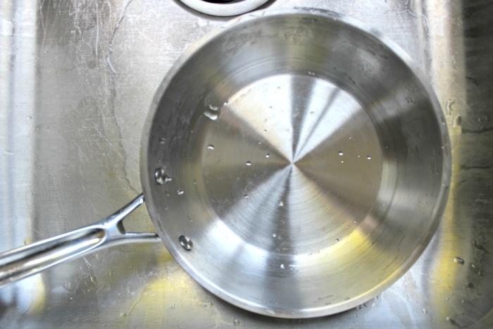 clean pan after burnt pan