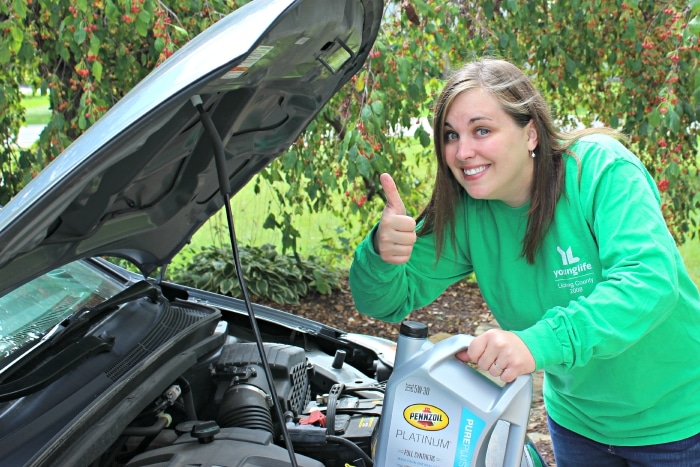 superwoman changing oil