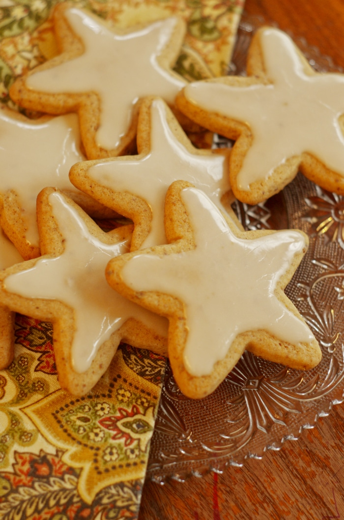 Christmas Cut Out Cookies.Honey Cut Out Cookies With Honey Icing