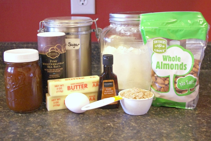 What you need to have to make almond jelly cookies