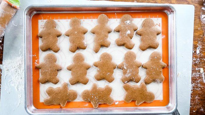 baked gingerbread men
