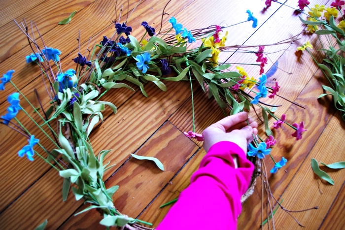 How to layer flowers on DIY spring wreath