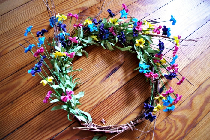 Making your own spring wreath