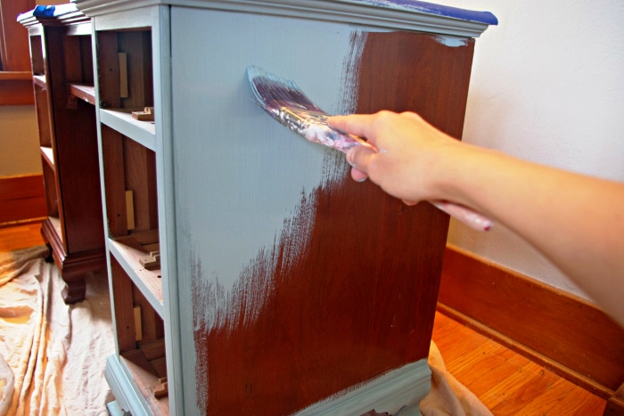 How to Chalk Paint Furniture 6