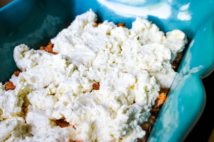 cream cheese and blue cheese topping for baked buffalo chicken dip recipe