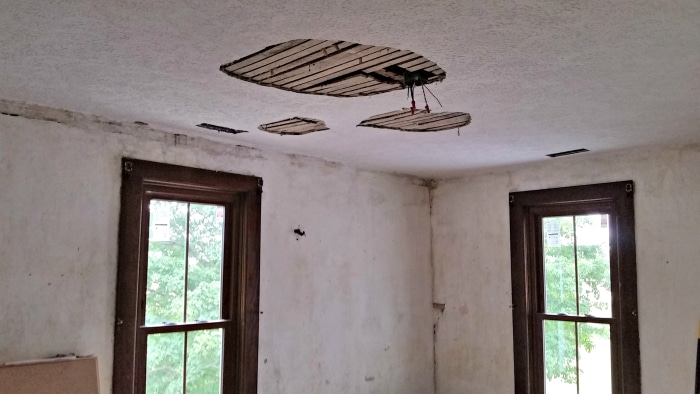 farmhouse-renovation-week-10-boys-room-ceiling