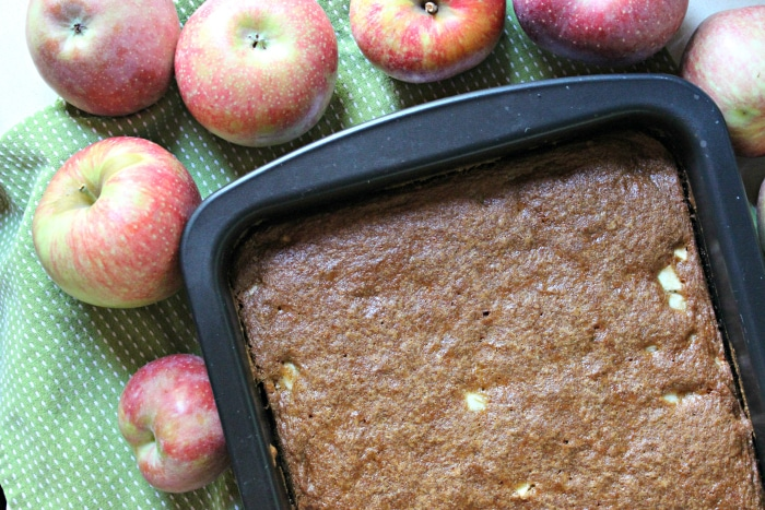easy-apple-cake-recipe-2