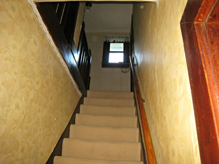 farmhouse-renovation-before-stairway